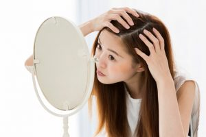 薄毛が気になる女性のためのサプリメント10選!女性のはげの悩みに必要な栄養とは?